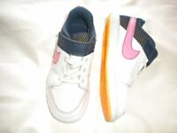 Nike Girls Trainers Size 11 in As New Condition