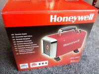 Honeywell Ceramic Heater, 1000/1800 W, perfect for bathrooms, kitchens and conservatories