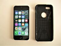 Iphone 5c 8Gb In white with black screen locked to O2 & Tesco,s