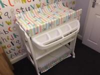 Baby Changing Station with Bath