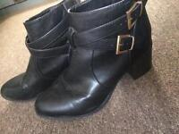 Size 7 black new look boots