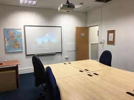MEETING TRAINING CONFERENCE ROOM FOR HIRE UP TO 8 PEOPLE TOWN CENTRE LOCATION CLOSE TO TRANSPORT
