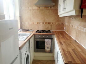 SHORT TERM LET - DOUBLE ROOM IN MODERNISED 3 BEDROOM HOUSE - £88 PER WEEK INCLUSIVE