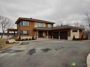 949 000$ - Maison 2 étages à vendre à Drummondville