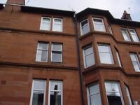 Large Double Room in a Traditional Flat Albert Avenue, Southside of Glasgow, near Shawlands, G42 8RD