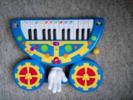Mickey mouse club house keyboard