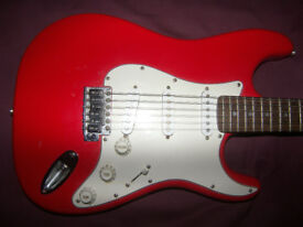Fender Squier Stratocaster Electric Guitar SSS / Red