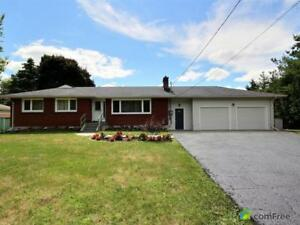 $999,888 - Bungalow for sale in Nobleton