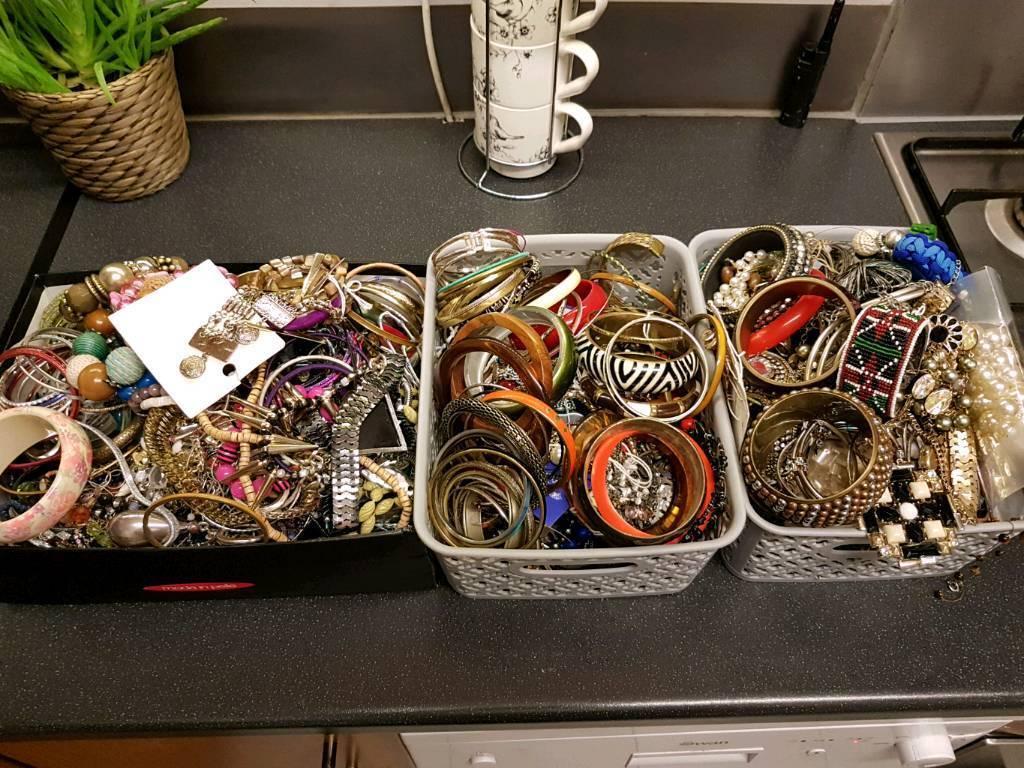 Job lot costume jewellery