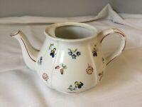 Porcelain teapot, Villeroy & Boch, Petite Fleur design