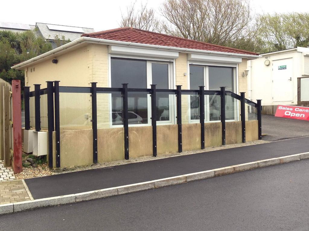 Office/portacabin/receptionin Newquay, CornwallGumtree - 20ft x 20ft made from two units, great condition throughoutDouble glazed entry doors with electronic shuttersToilet and kitchen facilitiesCan help with delivery£11,999 ono