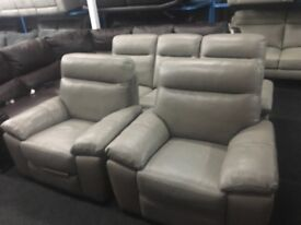 New/Ex Display LazyBoy Rome Grey Leather 3 + 1 + 1 Seater Recliner Sofas