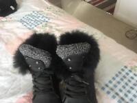 Women Black boots size 7