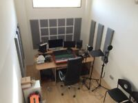 Hackney Wick 26 m2 sound proofed studio (WITH NATURAL LIGHT!) perfect for music/video producers