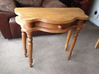 Pine Dressing Table / hall side table with middle drawer in clean VGC