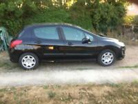 Black Peugeot 308