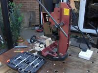 Bench morticer machine