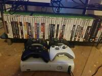 Xbox 360 ... 43 games.. 4 pads