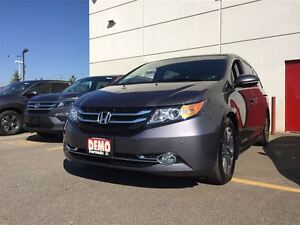 2016 Honda Odyssey Touring (USED DEMONSTRATOR)-Over $3,400 Addit