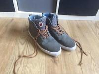 Men's size 10 duffer trainers