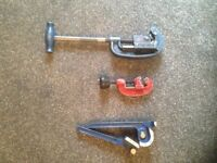 Hand tools for sale,pipe cutters and bender, hack saw c/w 10 blades, snips.