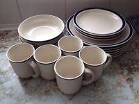 18 Piece Dinner Set (Blue/White/Plates/Bowls/Mugs).