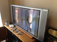 plasma monitor Nec 42'' Model PX-42XR3G with speaker can be used as TV