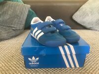 Infant child's adidas trainers size 8