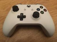 Limited edition white Xbox one controller