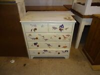 Small chest of drawers in working order