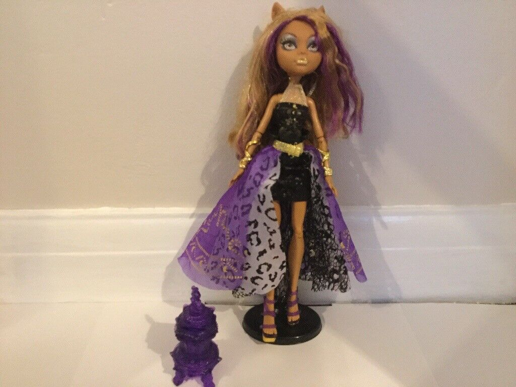 Clawdeen Wolf, Monster High Doll, in excellent condition!!