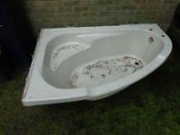 Quality 8mm thick Fibreglass Corner Bath make Good Garden Pond