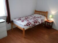 Large Double Room £90/week all bills included 15 Minutes from the city centre.