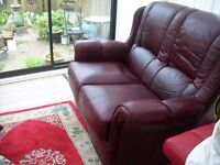 2-SEATER OX BLOOD/BROWN LEATHER SOFA