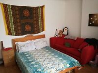 LARGE COSY FULLY FURNISHED DOUBLE ROOM FOR RENT IN WIMBLEDON @ £700/- INCLUSIVE OF UTILITY BILLS