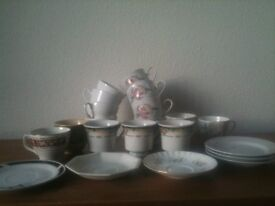 Retro Crockery - Cups & Saucers great for a wedding