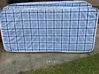4 single mattresses