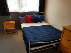 Lovely double room in friendly houseshare close to town centre