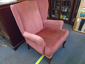 vintage wing back arm chair. with queen ann legs