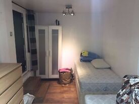 @@ Cheap double available now in Neasden @@ £120 single person or £145 for 2 people.