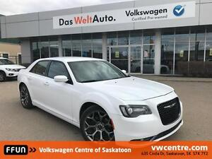2016 Chrysler 300 S UNDER 50,000 KM!!!