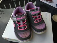 Sketchers Childs Trainers uk size 6