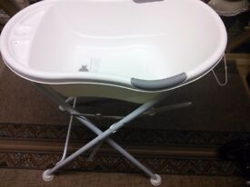 TippiToes Baby Bath with Stand