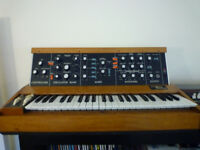 moog mini moog model d synthesizer 1977/78 with flight case