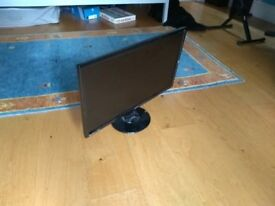 "BenqQ Monitor 2460B 24"" Screen - It is in excellent condition (no marks/scratches)"
