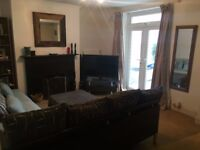 Cosy Quiet Garden Flat 8m walk to East Putney tube