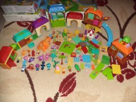 MOSHI MONSTER MEGA BLOKS PLAYSETS, COMPATABLE AND FITS WITH LEGO, CAN DROP OFF LOCALLY