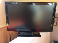 TV HITACHI 24 INCH TELEVISION WITH BUILT IN DVD PLAYER