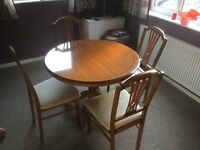 Quality Extending Dining Table and Chairs Set