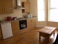 2 bedroom flat to rent, recently refurbished